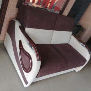 Sofa rozkładana /na sprężynach/skrzynia z litego drewna